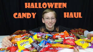 full size candy bars halloween halloween candy haul u0026 taste test collintv youtube