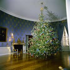 white house rooms christmas decorations east room red room