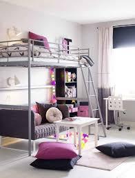 kinderzimmer grau wei kleines kinderzimmer einrichten hochbett sofa grau pink weiss