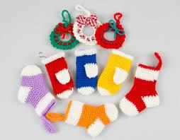 pattern ornaments wreath sweater mitten p027
