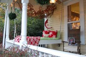 Christmas Decoration For Front Of House by 25 Great Porch Christmas Decorations For The Holidays