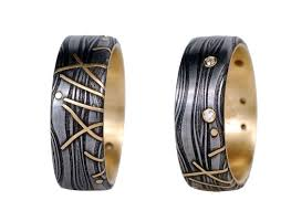 pattern welding gold victoria moore s damascus steel jewelry uses pattern welding to