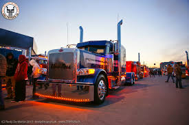 peterbilt show trucks semi trucks at night wallpapers wallpapersafari