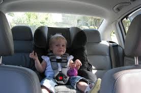 choisir un siège auto bébé choisir siège auto pivotant notre guide avis