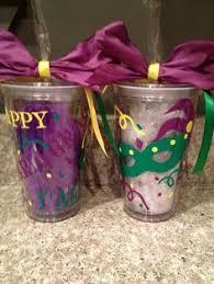 mardi gras cups mardi gras monogram tumbler cup by doodlebugcraftsbyr
