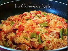 cuisiner des haricots plats riz espagnol chorizo crevettes poivron haricots plats