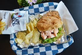 sanders fish market where to find a good lobster roll in