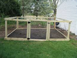 vegetable garden fence chicken wire video and photos