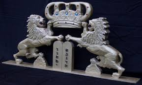 lion of judah statue crafted the lions of judah by artisans of the valley