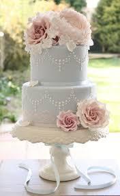 wedding cakes vintage wedding cake brooch gorgeous vintage