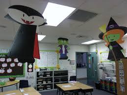 100 door decorating ideas for halloween halloween door