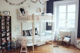 chambre enfant mixte une chambre mixte pour 3 enfants bébé grossesse et décoration