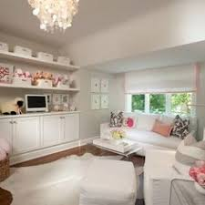 considered an off white color by benjamin moore balboa mist oc 27