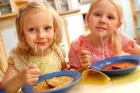 bimbo 13 mesi alimentazione il bambino sano mangia cos祠 nostrofiglio it