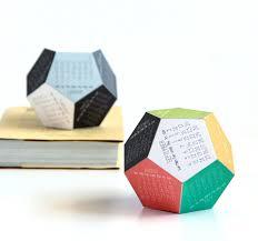 Diy Desk Calendar by Diy Make Your Own Clever 3d Dodecahedron Calendar For 2016