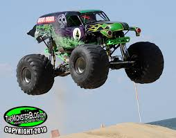 grave digger monster truck schedule themonsterblog com we know monster trucks grave digger versus