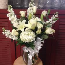 White Roses In A Vase Roses Lilies Snaps And Other Mixed White Flowers In Bristol Pa