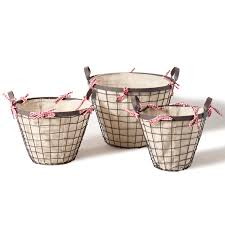 checkered ribbon joveco basket with wide and white checkered