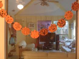 Halloween Crafts For Kindergarten Dallas Family Makes Halloween Craft With Foam Pumpkins Sharpie