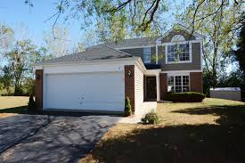 roscoe garage door houses for sale in streamwood illinois streamwood il