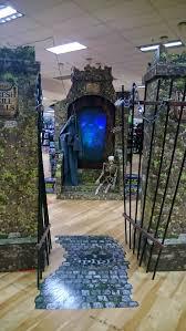 e spirit halloween vivendo em ny spirit halloween uma loja aterrorizante que vende