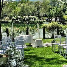 secrets for a perfect italian style wedding party in the countryside