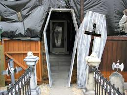 Diy Halloween Yard Decorations 10 Not Too Scarey Diy Halloween Front Porch Ideas