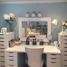 makeup vanity ideas for bedroom ᴘɪɴᴛᴇʀᴇsᴛ lydwlsn ɪɴsᴛᴀ lyd wlsn the houseplan