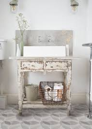 10 ways to get a shabby chic look in your bathroom