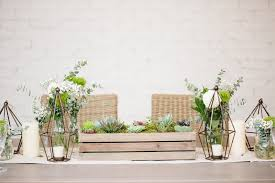 make these succulent boxes for your centerpieces