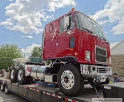 gmc semi truck gmc general and chevy titan90