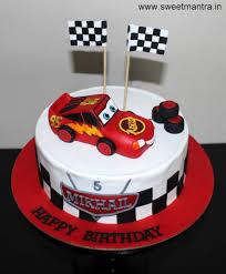 lightning mcqueen cakes disney pixar cars lightning mcqueen theme customized designer