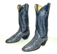 womens boots in narrow width womens 7 5 a cowboy boots blue justin narrow width