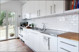 cuisine en bois blanc cuisine bois cuisine imitation bois blanc