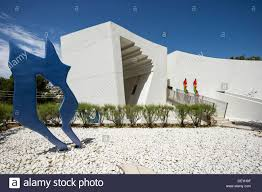 modern building galerie weil art gallery architect daniel stock