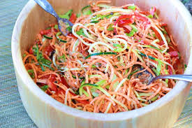 cuisine crue et vivante alimentation vivante crue salade sauce aux amandes