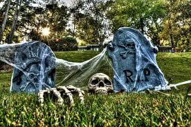 Scary Outdoor Halloween Decorations by Scary Homemade Halloween Yard Decorations Themontecristos Com