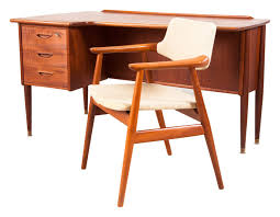 meubles design vintage bureau danois vintage avec sa chaise erik kirkegaard années 60