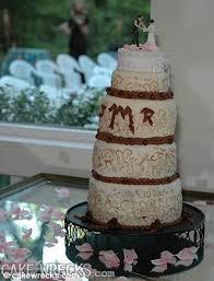 wedding cake fails brides reveal the and most hilarious wedding cake fails
