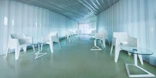 voxel chair by karim rashid chairs vondom products