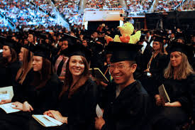 big names big crowds mark ut knoxville commencement week