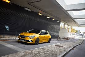 first look at new 2018 renault megane rs image 1 auto types