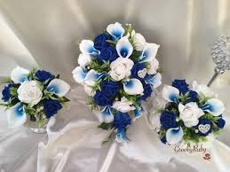 white and blue roses white blue centred calla lilies with roses heart brooch
