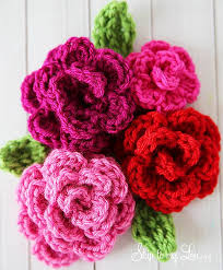 12 pretty crochet flowers to brighten up your