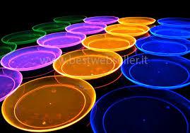 bicchieri fluorescenti 10 piatti reagenti agli uv wood glow fluo 19cm mod1 15 00eur