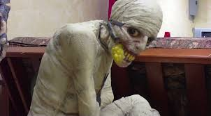 Halloween Prop Store by Ten Infamous Creepypastas Based On A Single Terrifying Image
