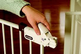 Munchkin Safe Step Gate New Details You Should Know About Regalo Easy Step Walk Thru Gate
