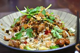 recette de cuisine vietnamienne porc confit vietnamien à la citronnelle et riz sauté thịt lợn kho