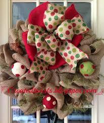 christmas burlap wreath with polka dot ribbon and polka dot