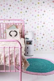 tapisserie chambre d enfant décoration de jolies chambres de petites filles avec du papier